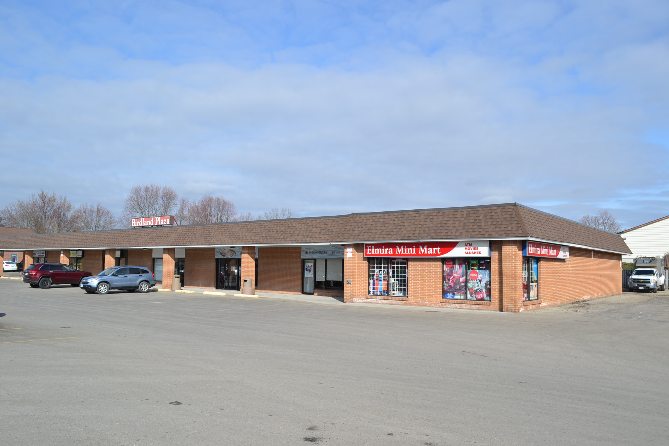 Picture of a property/building at 112 Oriole Pkwy, Birdland Plaza  Unit #4.